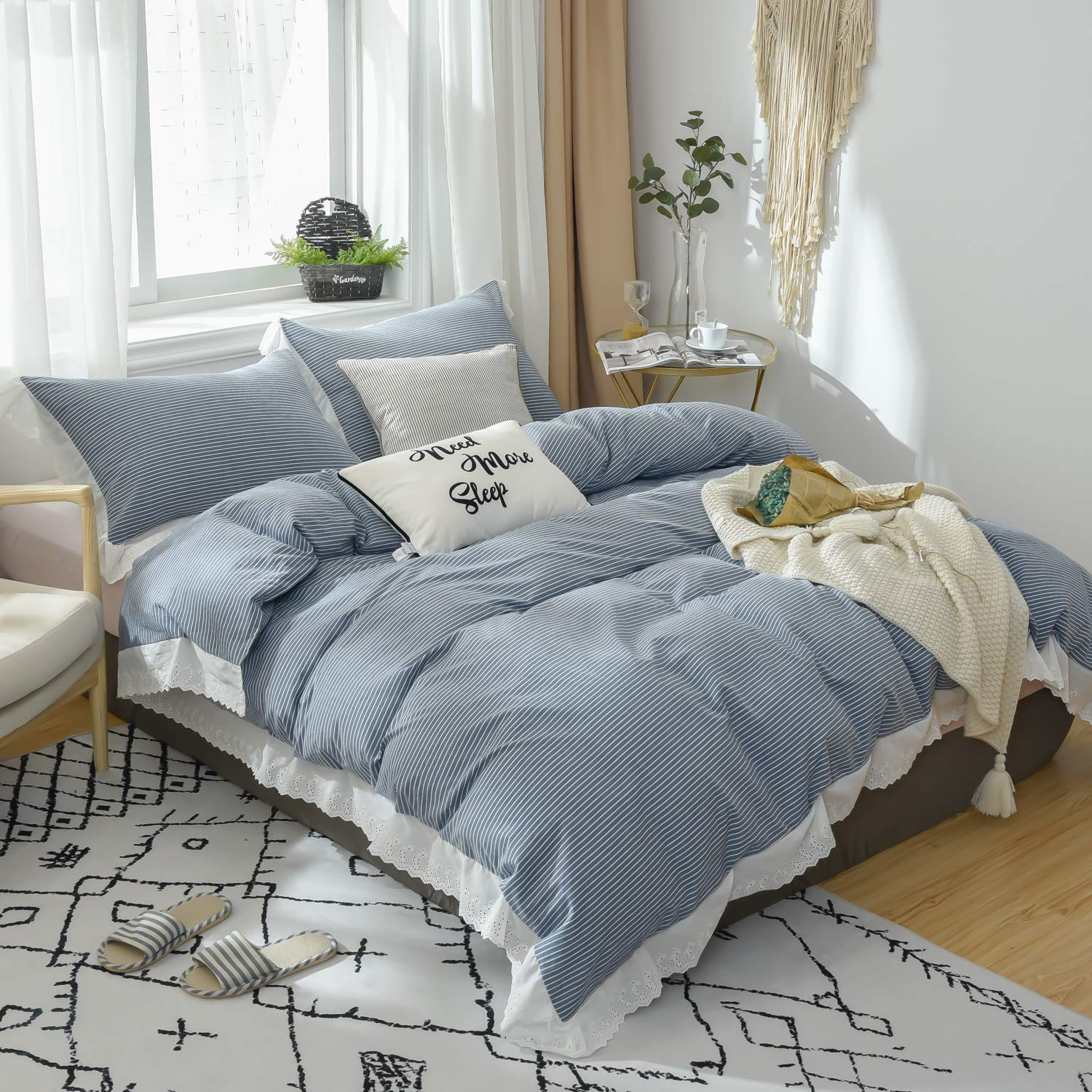 farmhouse-bedding-striped