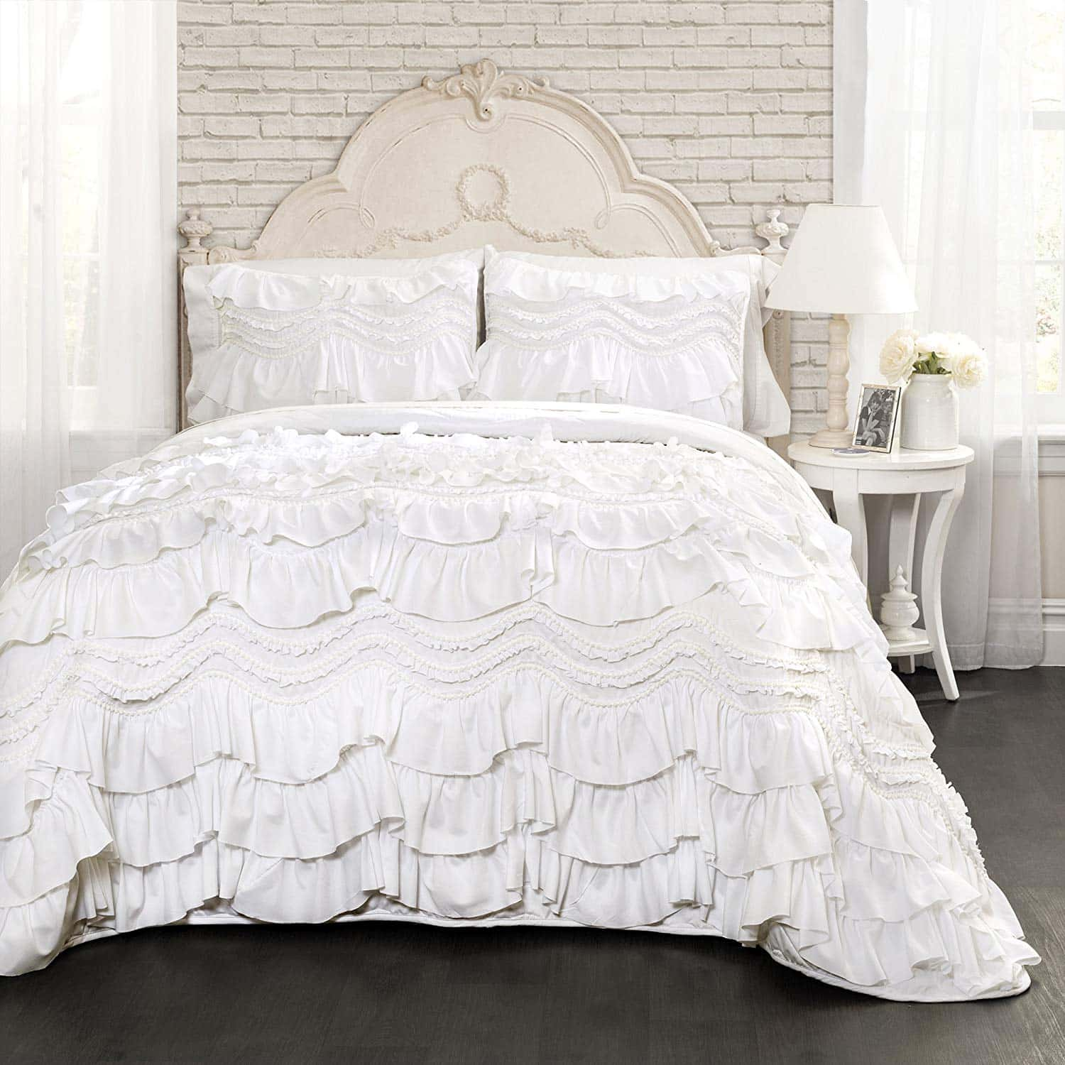 farmhouse-bedding-ruffled